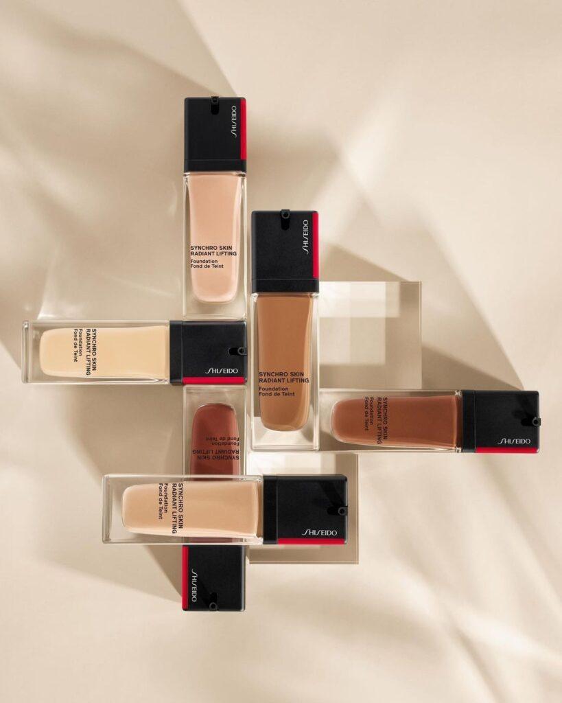 fondotinta shiseido syncro skin radiant lifting